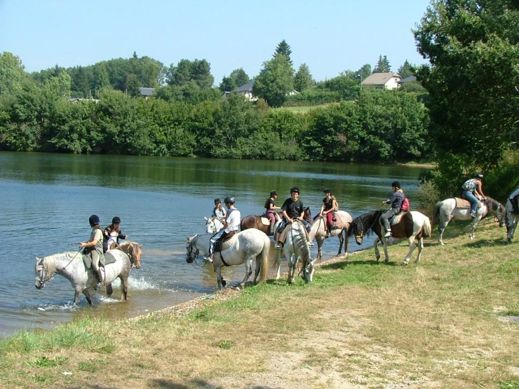promenade a cheval aveyron